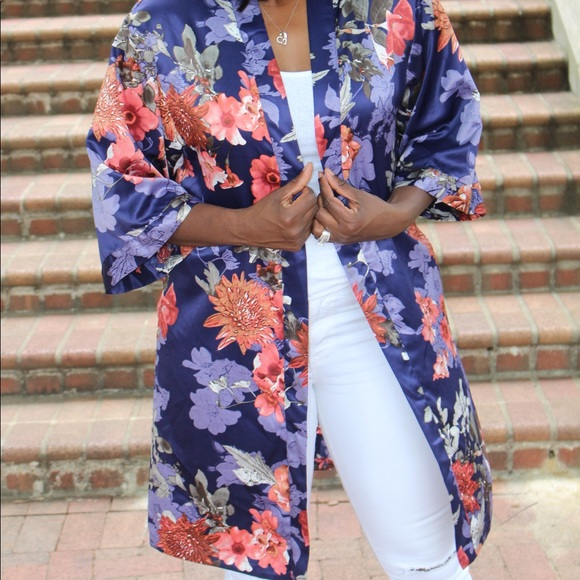 Dual Nature Tops - NWOT Dual Nature Purple Floral Print Satin Kimono,